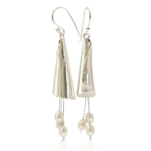 sterling silver earrings with fresh water pearls